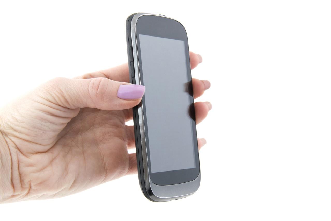 Kiedy kupić dziecku telefon komórkowy? Porady